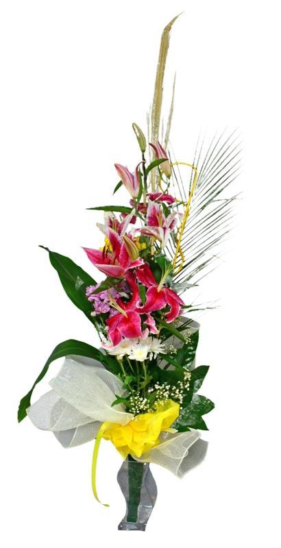 Букет лилиум и хризантеми