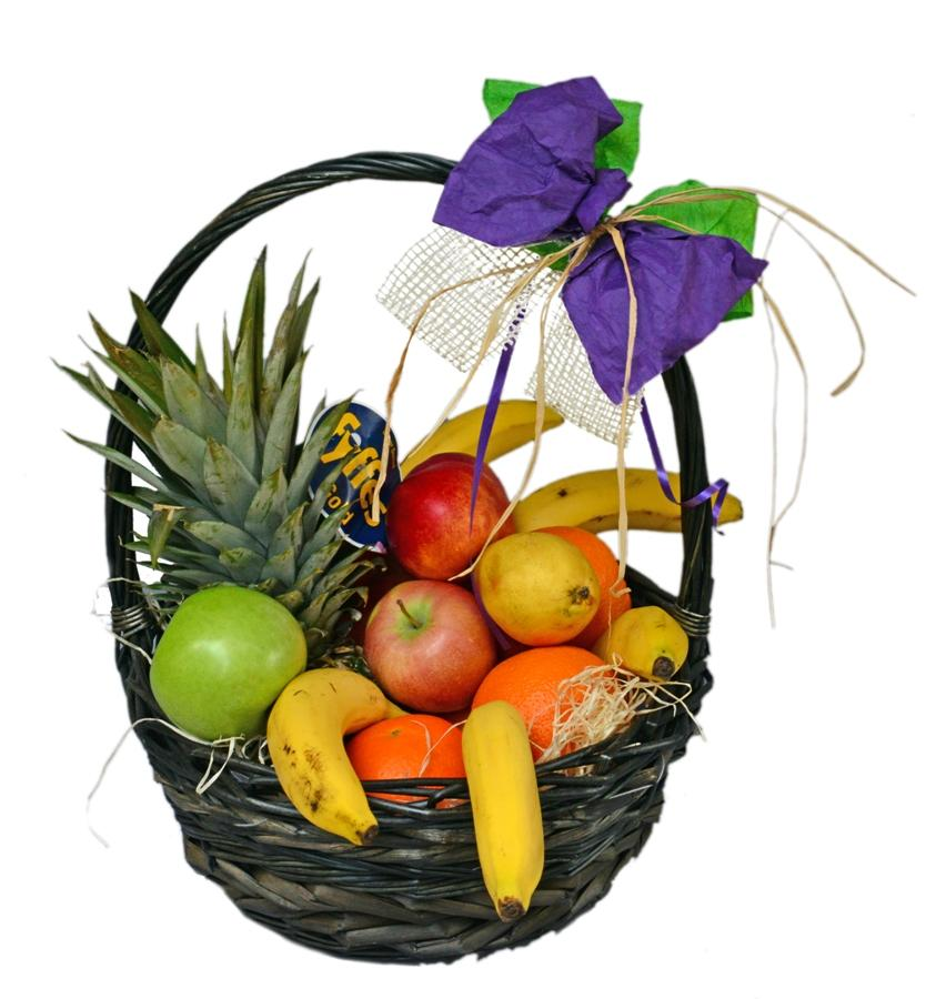 Голяма кошница с плодове
