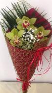 Букети с цветове от орхидея цимбидиум